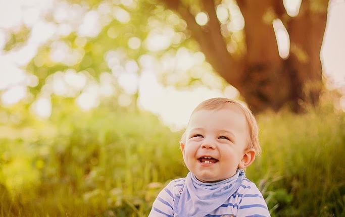Kinderfotos zum 1. Geburtstag im Freien