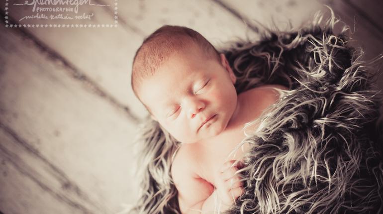 Mio – Neugeborenenfotografie in Bruchsal