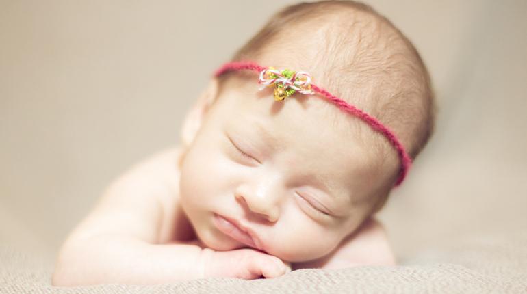 Mina… Neugeborenenfotos in Bruchsal