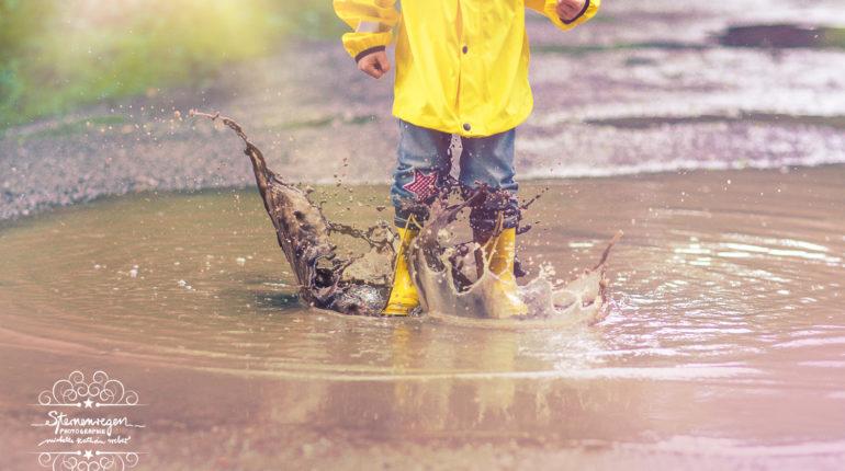 Kinderfotos im Regen
