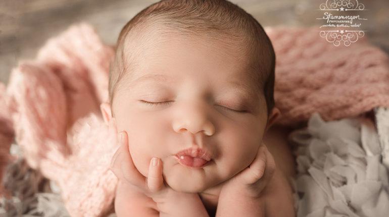 Valentina – Neugeborenenfotos