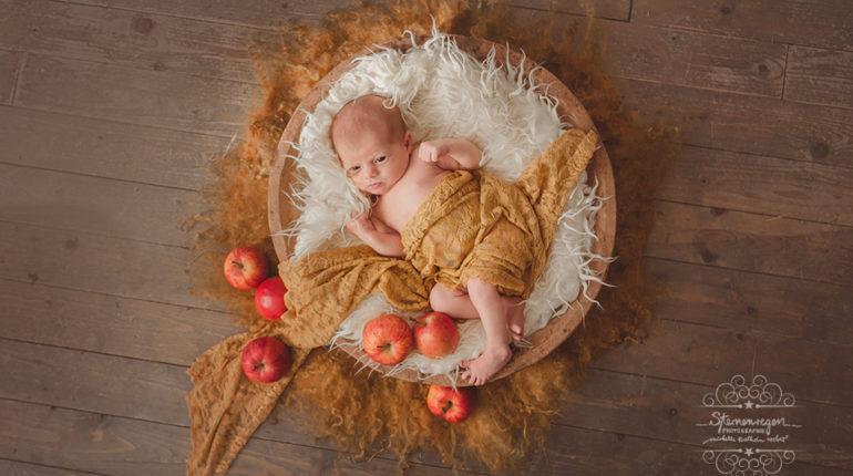 Lina – Babyfotografie zart und herbstlich