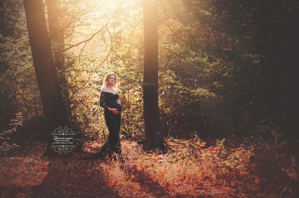 Babybauchfotos im Wald bei Karlsruhe- herbstliche Farben <3