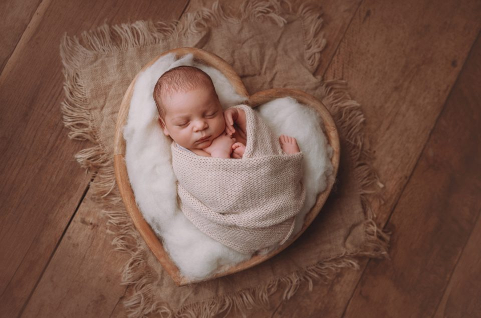 Mit Liebe und Herz- Babyfotografie