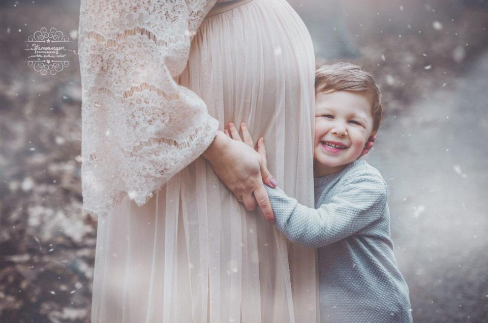 Babybauchshooting und Geschwisterkinder
