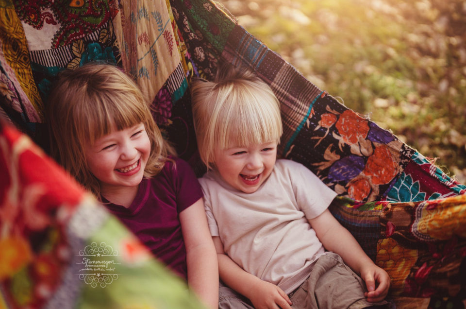 Gute Laune Shooting- Familienfotografie in der Natur